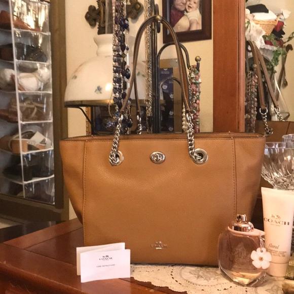 7a15ef999137 Coach Handbags - Coach pebble turnlock chain tote shopper 27 